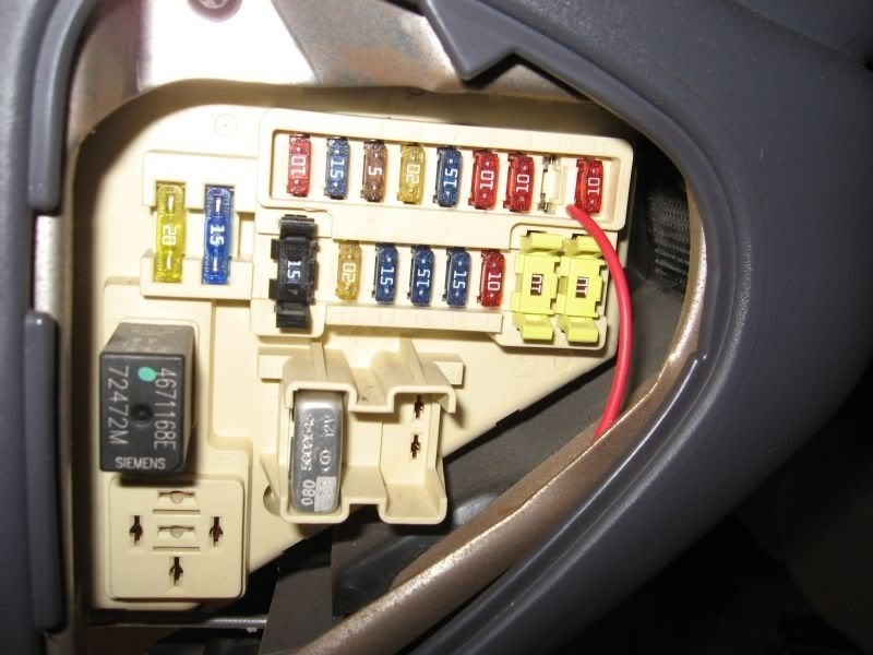 2002 dodge caravan fuse box location