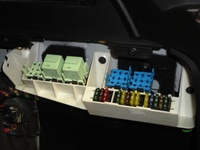 Cargo Area Fuse Box Diagram - Xoutpost within 2003 Bmw X5 Fuse Box