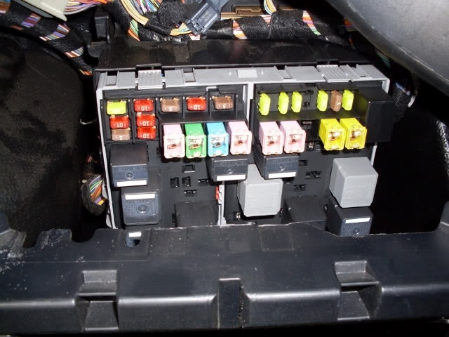 Ford Transit Forum • View Topic - Mk 7) Fuse Details Fuse Box Location throughout Ford Fiesta 2006 Fuse Box Location