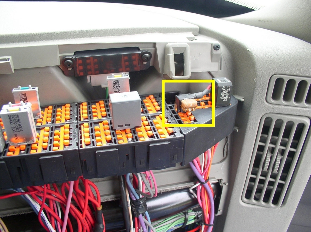 freightliner m2 business class fuse box location wirdig within freightliner m2 fuse box