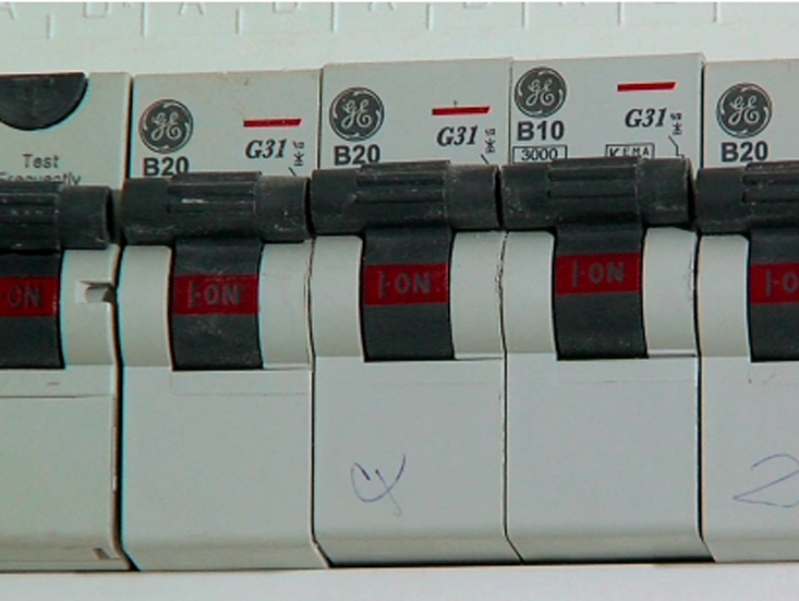 how the fusebox works in the home woodies regarding main switch on fuse box how the fusebox works in the home woodie's regarding main switch fuse box main switch at aneh.co