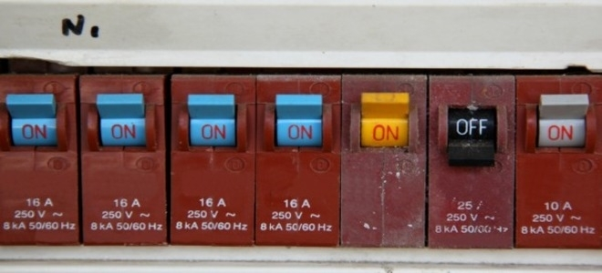 How To Replace A Circuit Breaker Fuse   Doityourself inside Replacing A Fuse In A Breaker Box