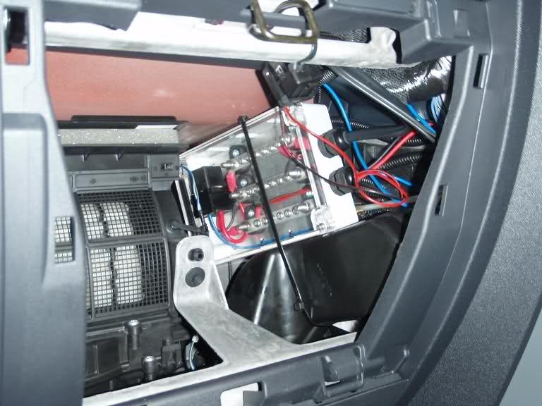 Fuse Box Jeep Jk : Jeep jk fuse box location and wiring diagram