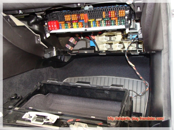 Similiar Bmw E46 Fuse Diagram Keywords with regard to E46 Fuse Box