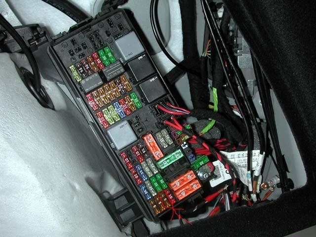 Similiar Mercedes 2003 C240 Headlamp Fuse Keywords regarding 2006 Mercedes Ml350 Fuse Box Diagram