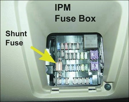tech tips replacing the hyundai power sliding door control module for hyundai entourage fuse box diagram tech tips replacing the hyundai power sliding door control module 2007 hyundai entourage fuse box diagram at fashall.co